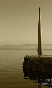 Fid Monument Moville Donegal Tint Photograph by Eddie Barron