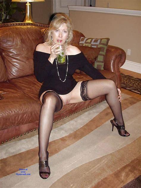 Linda With Open Legs   March         Voyeur Web