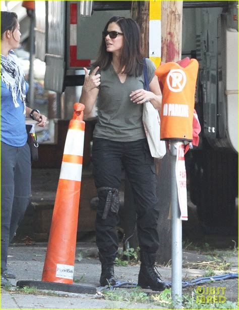 Sandra Bullock The Heat Filming Continues Photo 2701881 Sandra Bullock Pictures Just Jared