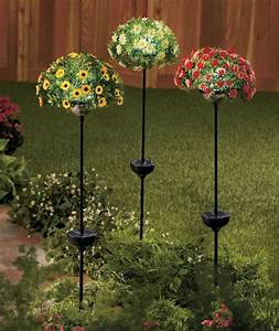Diy Stakes For Christmas Lights These Solar Flower Bouquet Stakes Would Make A Great