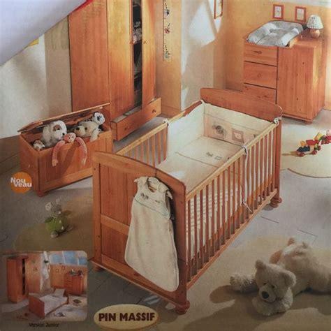 chambre bébé pin massif lit verin clasf