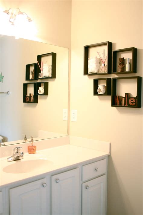 Wall Decor For Small Bathroom by Bathroom Makeover Reveal Green Diy