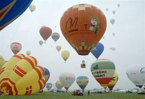 """Tuvojas 14. starptautiskais gaisa balonu festivāls """"LMT Kauss 2012"""