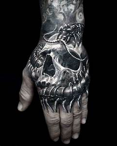 Collection of 25+ Skull Insect Tattoo Design