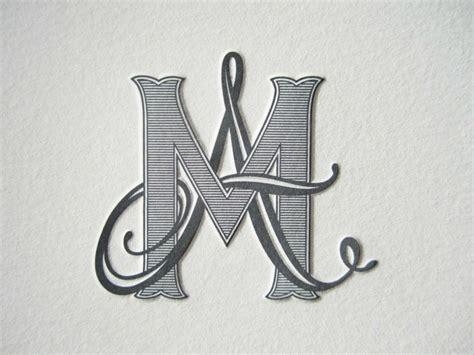 intertwine  calligraphic letter   heavy
