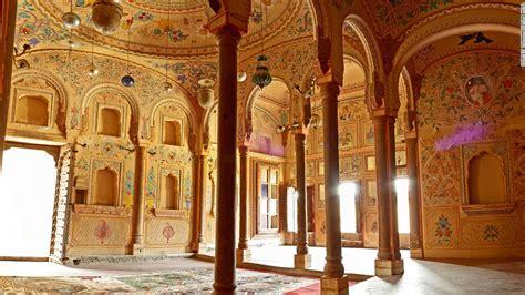 beautiful haveli indias exquisitely painted mansions