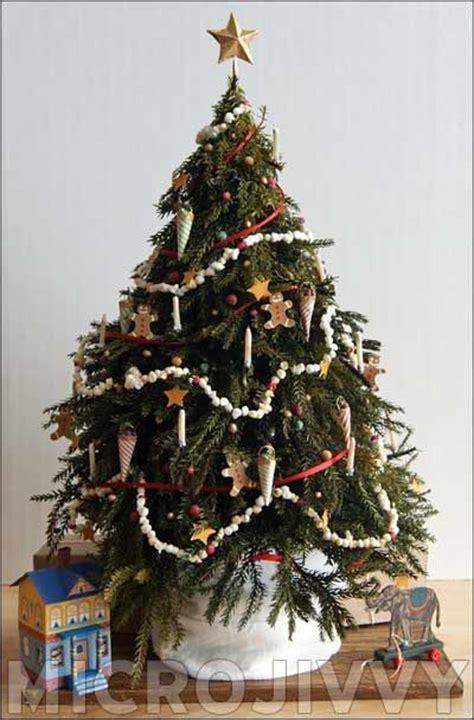 beautiful christmas tree garland decoration ideas