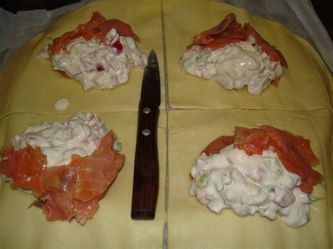 feuillet 233 s au saumon fum 233 au ch 232 vre aux poivrons et 224 l aneth dans la cuisine de moe