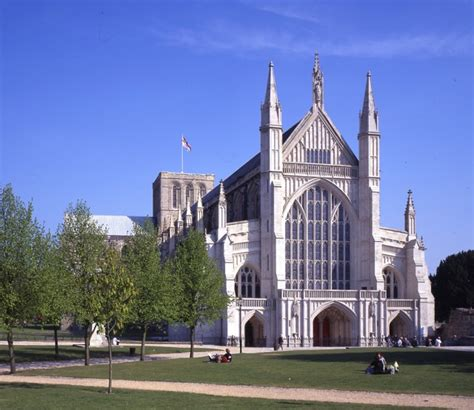 The Cathedral exterior - Winchester Cathedral : Winchester ...