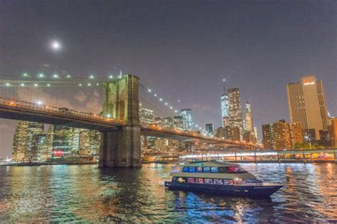 New Years Boat Cruise Nyc by 5 Nye Cruises In Nyc To Ring In 2018