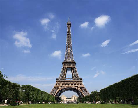 eiffel tower tourist destinations