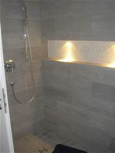 Offene Dusche Gemauert : led spot in der nische b der pinterest dusche fliesen fliesen und suche ~ Markanthonyermac.com Haus und Dekorationen