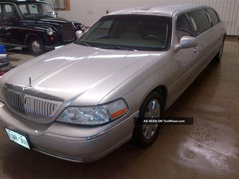 2003 Lincoln Town Car Executive Limousine 4 Door 4 6l