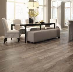 vinyl plank flooring universal oak 29 vinyl flooring ideas with pros and cons digsdigs