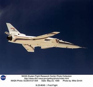 X-29 EC89-0127-004: X-29 #049 – First Flight