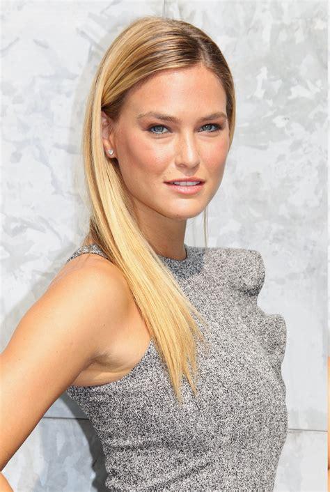 Wallpaper Face Women Model Blonde Long Hair Closeup