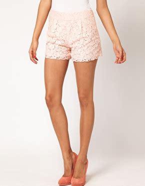 shorts mit spitze asos asos shorts aus spitze mit bogenkante bei asos