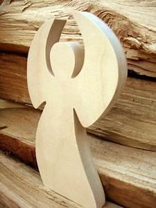 Holz Bastelvorlagen Kostenlos : wundersch ner tanzender engel in verschiedenen gr en engel aus holz weihnachten ~ Yasmunasinghe.com Haus und Dekorationen