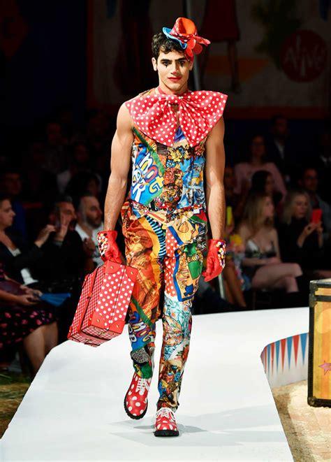 moschino spring  menswear collection tom lorenzo