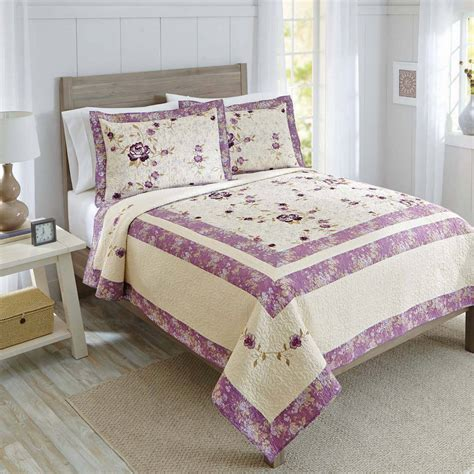 better homes and gardens quilts better homes and gardens jeweled damask bedding quilt