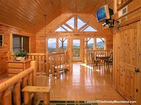 2 bedroom hotels in pigeon forge tn 1000 images about pigeon forge 2 bedroom cabins on
