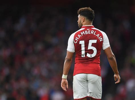 Alex Oxlade-Chamberlain thanks Arsenal fans for 'always ...