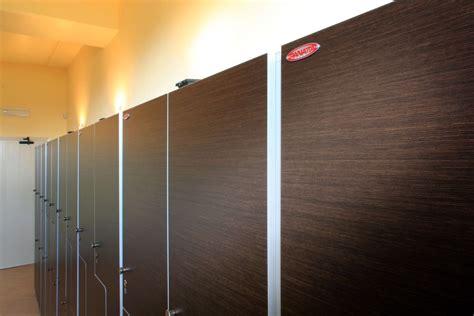 armadietti in legno armadi spogliatoio in legno