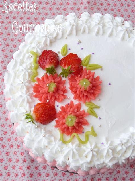 gateau fraises chantilly