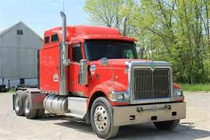 International 9900i  2000    Sleeper Semi Trucks