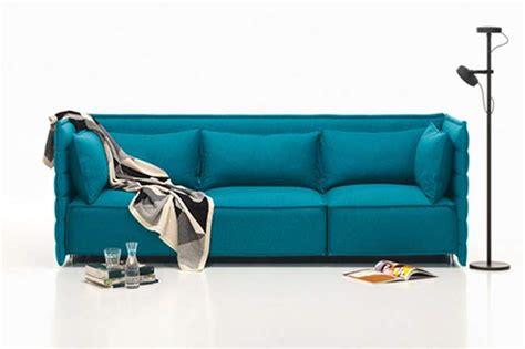 bouroullec canapé ligne roset célèbre les 40 ans du togo jo yana