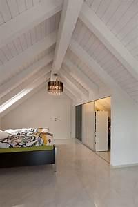Einbauschrank Unter Dachschräge : schrank in der dachschr ge nach mass dachschr genschrank mit schieberegalen in doppelter tiefe ~ Sanjose-hotels-ca.com Haus und Dekorationen