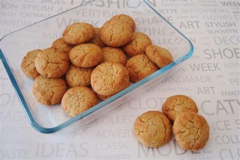 biscuits aux amandes recette avec des jaunes d oeufs le pays des gourmandises