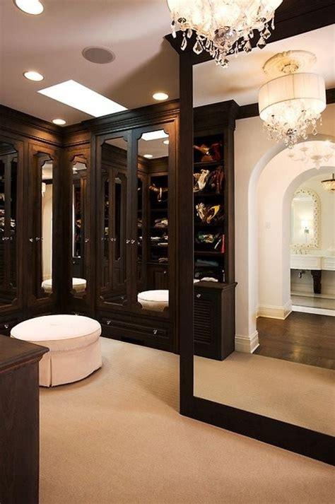 perfect  stylish walk  closets
