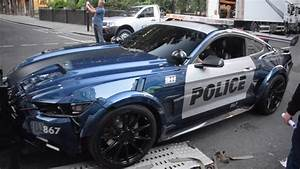 TRANSFORMERS MUSTANG LOADING INTO TRAILER IN LONDON - YouTube