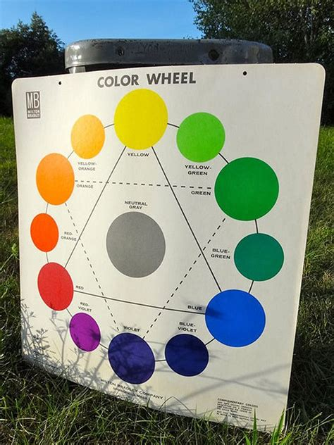 taupe color wheel 11 best images about quilts with taupe backgrounds on