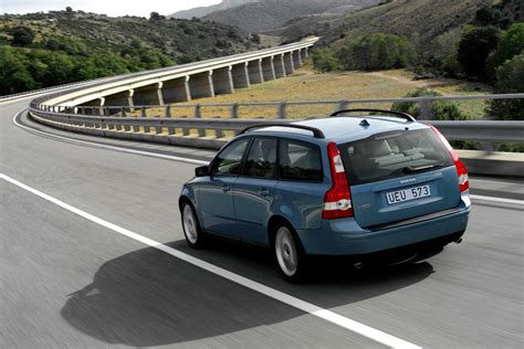 volvo group global volvo overseas delivery continues to outpace the