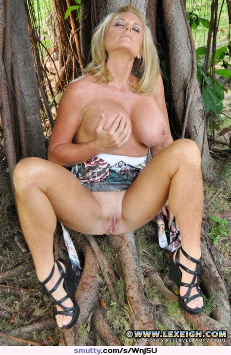 Blonde Milf Cougar Housewife Lexeigh Outdoors