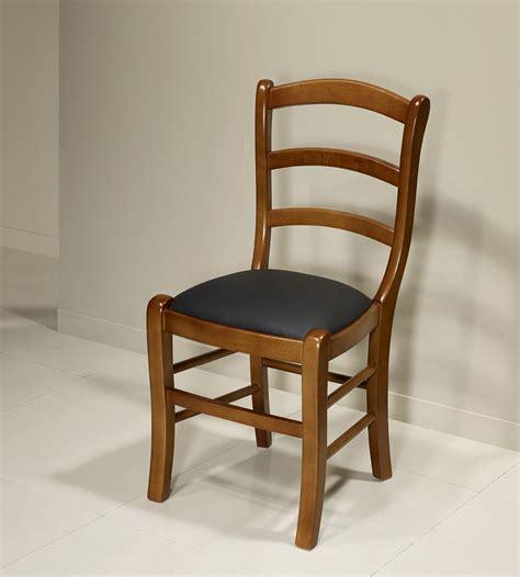 chaise en hetre massif chaise madeleine en hêtre massif de style louis philippe meuble en merisier massif