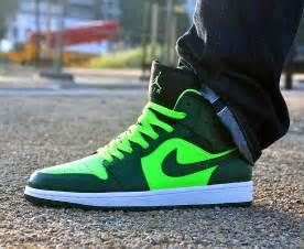Air Jordan 1 Mid Green