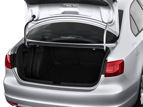 Trunk Space by 2011 Volkswagen Jetta Review Specs Pictures Price Mpg