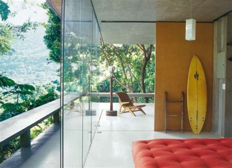 d馗oration surf chambre décorez vos intérieurs avec une planche de surf archzine fr