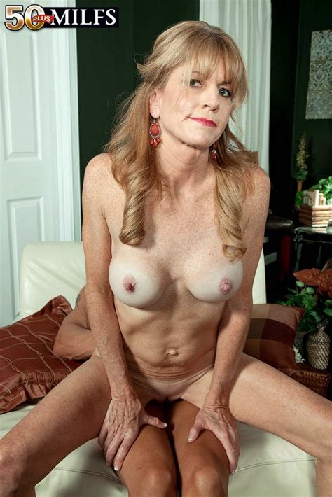 Mature Denise Day fucked in doggystyle - Pichunter