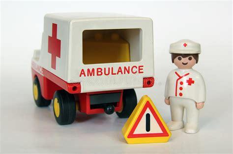 segnale mobile di pericolo playmobil ufficiale di polizia ed automobile immagine