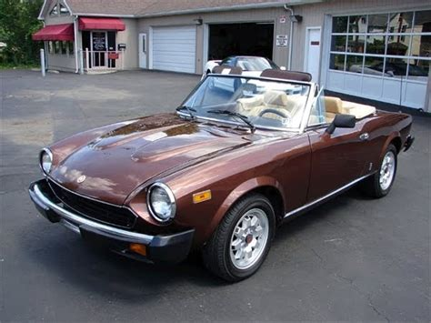 featured cars  sale  fiat spider  classic