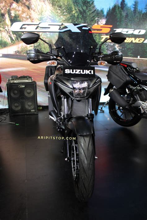 Gsx S150 Touring Edition And Yamaha by Ganteng Tenan Intip Detail Gsx S150 Touring Edition