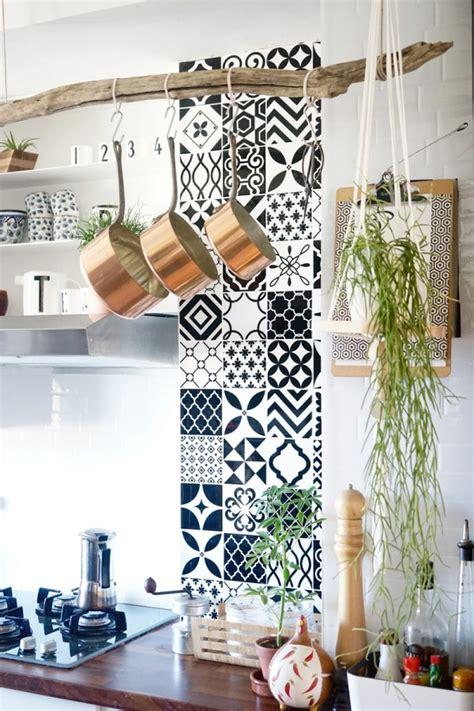 decoration murale cuisine design les avis de 6 blogueuses déco sur le carrelage adhésif