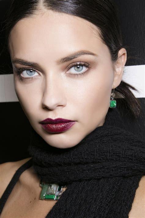 Comment enlever une tache de rouge à lèvre?