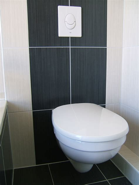 stickers fenetre salle de bain wc suspendu sur bati support