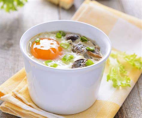 cuisiner blanc d oeuf entrée facile œufs cocotte aux chignons