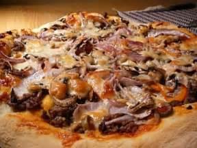 cuisiner steak haché pizza au steak haché de marilouise recettes